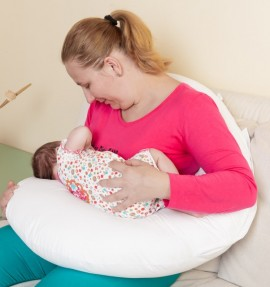 Perna pentru gravide 2 in 1 BEBEDECO cu husa uni diverse culori