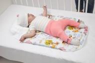 Sac dormit bebe 0-3 luni cu perna pt formarea capului BEBEDECO Ferma Animalelor- cod SNNP17s