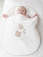 Sac de dormit bebe 0-3 luni cu perna pt formarea capului BEBEDECO IEPURASUL SOMNOROS alb-SBNNSU03s
