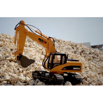 Excavator cu senile si cu telecomanda HUINA 2