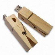 USB din lemn personalizabil WB04