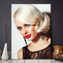 Tablou Blonda cu Buze Rosii FBA75