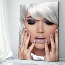 Tablou Fata cu Parul de Argint