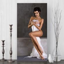Tablou Canvas Femeie Sexy cu Cerceaf Alb SX8