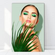 Tablou Canvas Femeie Frumoasa cu Frunza de Palmier FBSM40