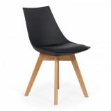 Scaun living cu picioare din lemn BUC 245 negru