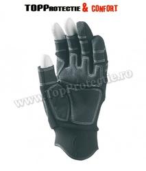 Mănuși de șofer fără capete de degete pe degetele mare, arătător și mijlociu