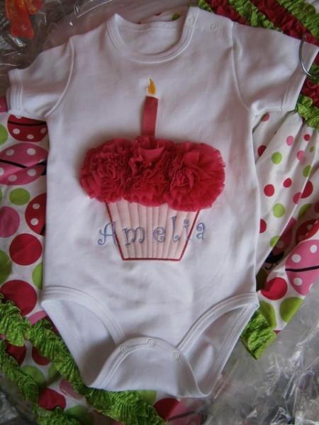 Body copii Sisi Cupcake fuchsia pentru aniversare