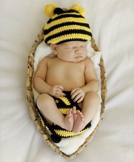 Costum bebelusi crosetat Albina