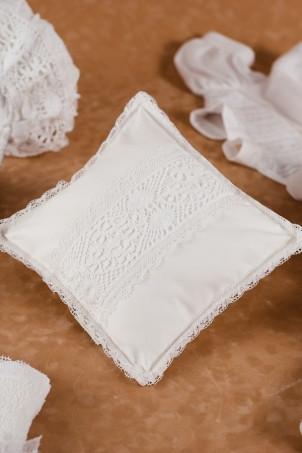 Trusou botez Macrame- pernuta cruciulite
