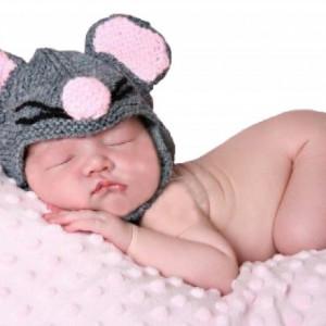 Caciula bebelusi Little Mousie