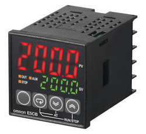 Regulator temperatura digital OMRON E5CB-R1TC, intrare termocuplu, iesire releu, alimentare 100-240 VCA