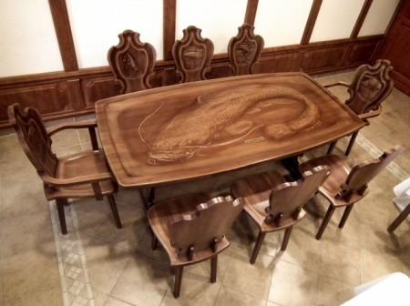 Set format din masă şi 8 scaune cu motive pescăreşti