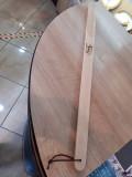 Incaltator gravat cerb/mistret din lemn
