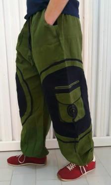Poze Pantaloni verzi cu model spirala aplicat pe buzunarele laterale
