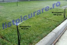 Miniaspersor cu arie de udare la 180 grade
