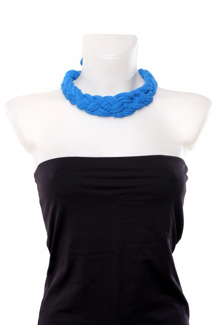 Colier textil impletit albastru