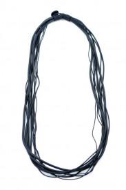 Colier lung din cauciuc negru