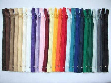 Fermoare fusta #3 - 20 cm culori asortate - 200 buc.