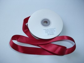Panglica satinata ambele fete 15 mm bordo