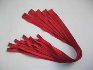 Fermoare lenjerie #3 - 50 cm rosu