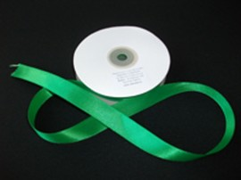 Panglica satinata ambele fete 25 mm verde