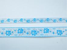 Banda tesuta Jesica 15mm, 28mm- albastru si argintiu pe alb