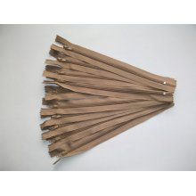 Fermoare fusta #3 - 20 cm bej