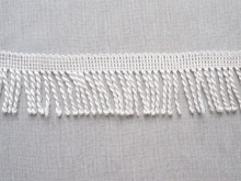 Franjuri poliester 6cm/11m alb