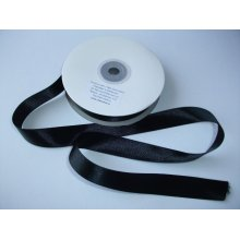 Panglica satinata ambele fete 25 mm neagra