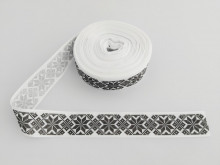 Panglica imprimata model popular alb cu negru 25 mm