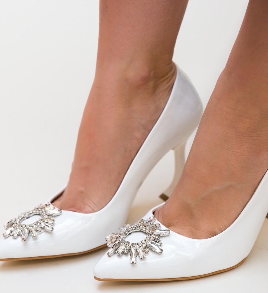 Pantofi Leila Albi 2