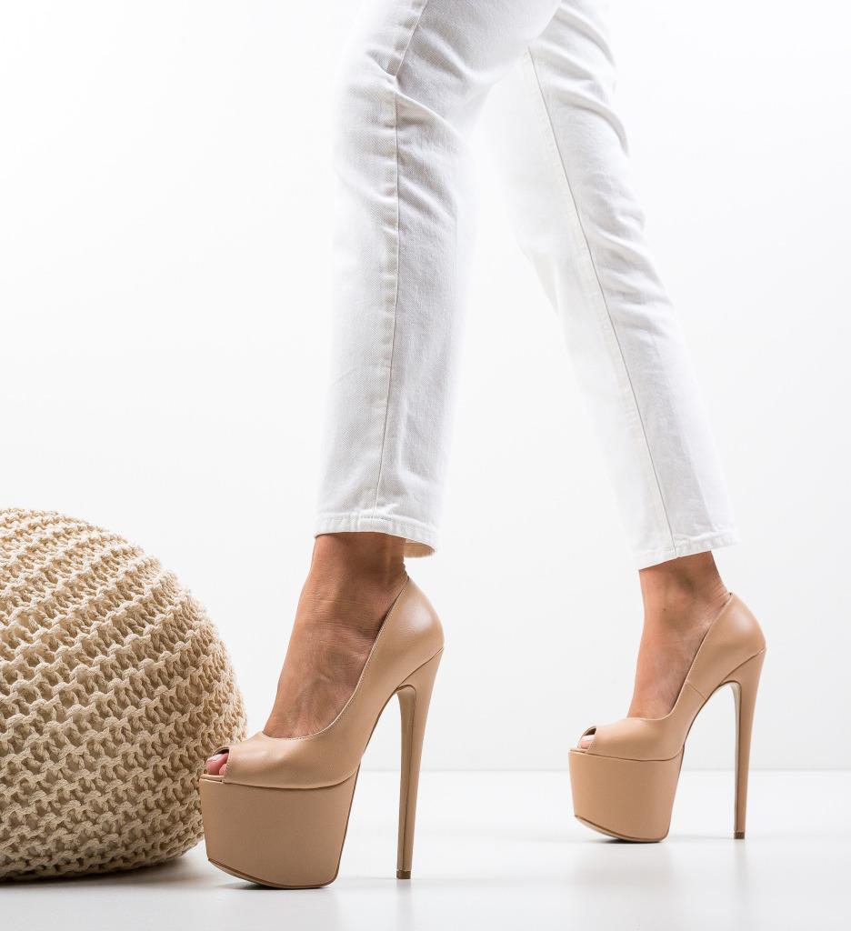 Pantofi Quker Bej