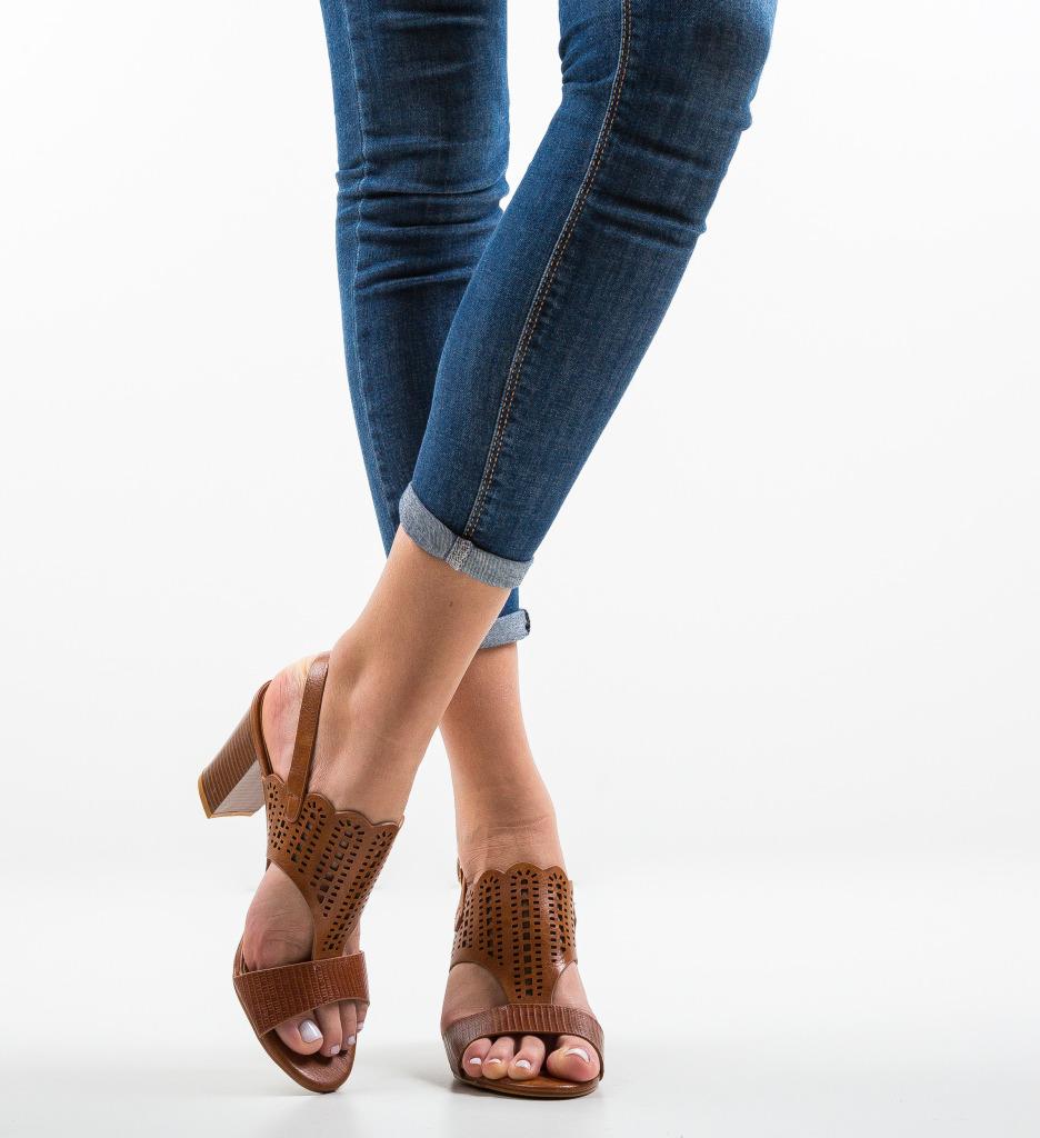 Sandale Darbaka Maro