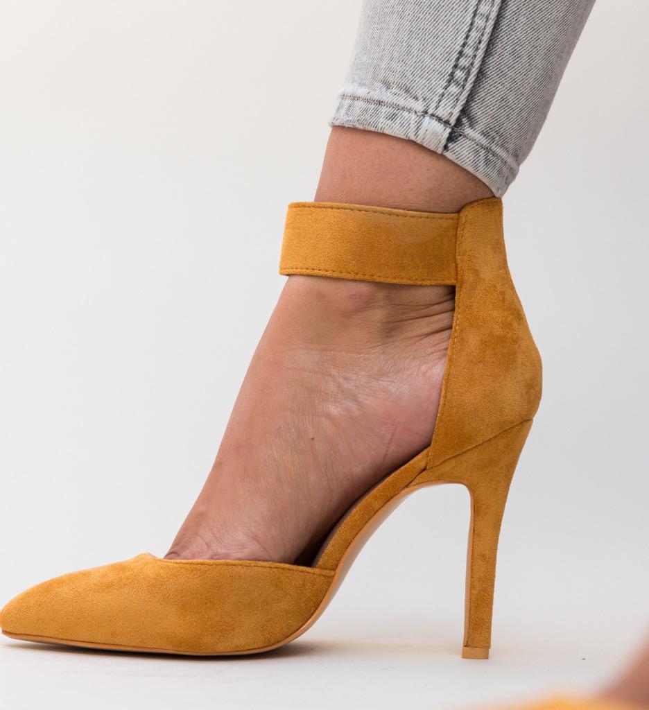 Pantofi Ravlin Camel
