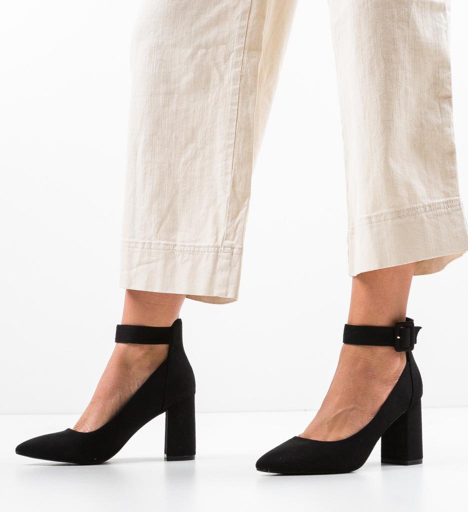 Pantofi Zaina Negri