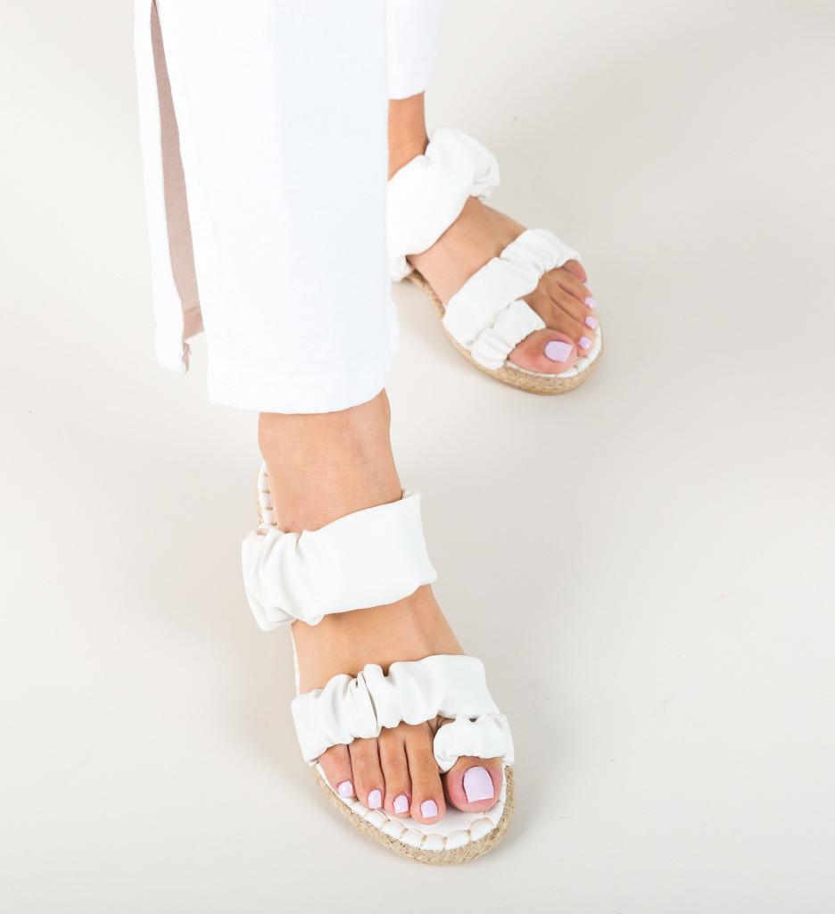 Papuci Lajah Albi