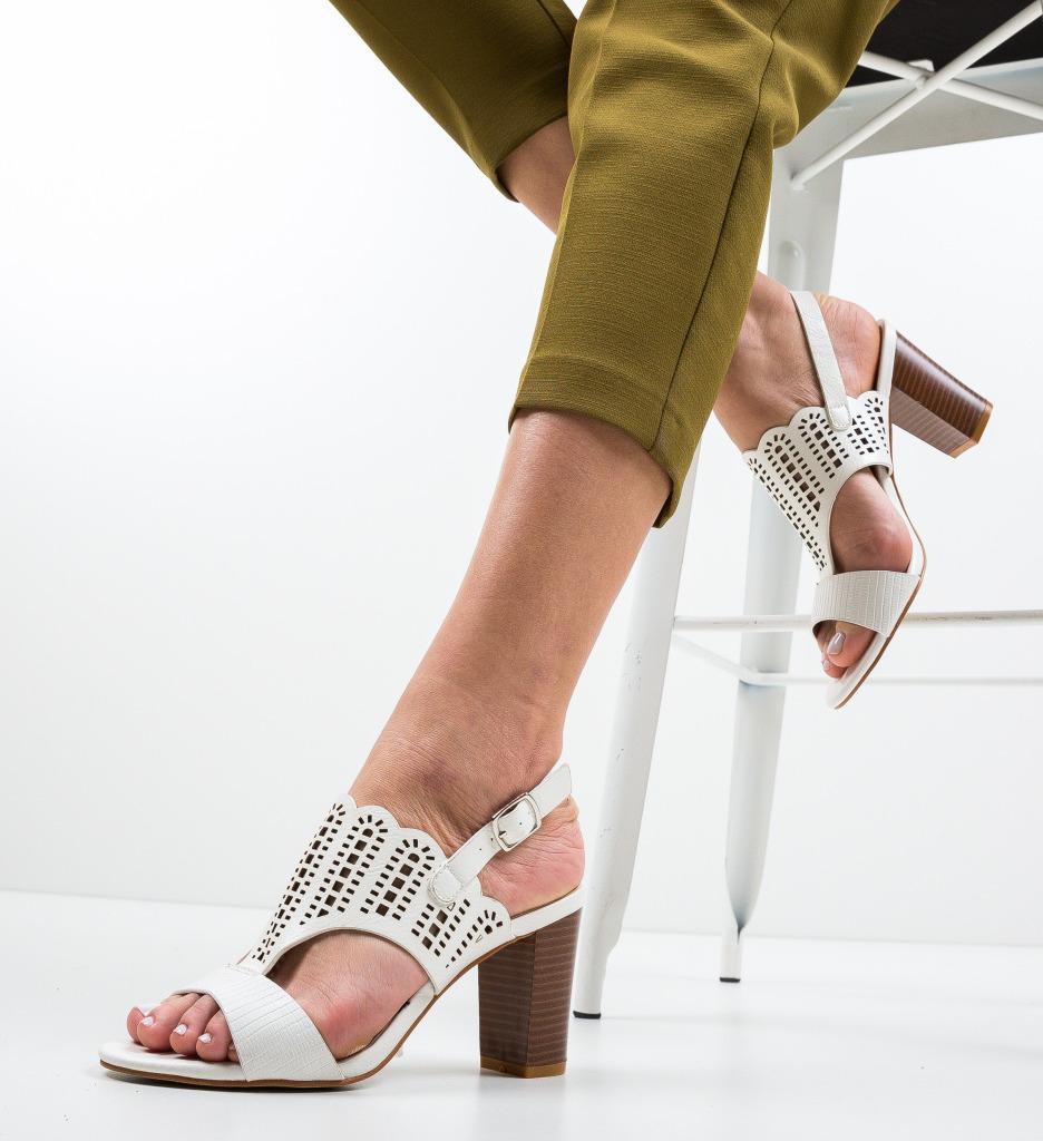Sandale Darbaka Albe