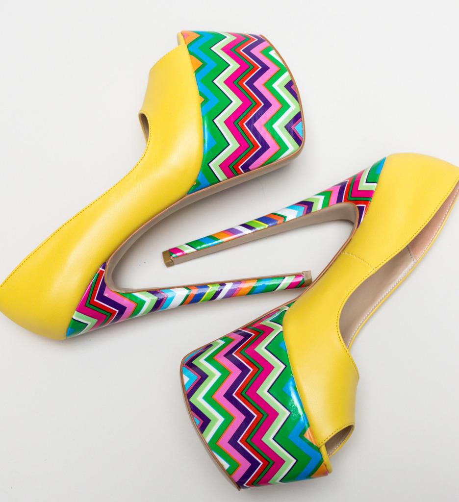 Pantofi Valeria Galbeni