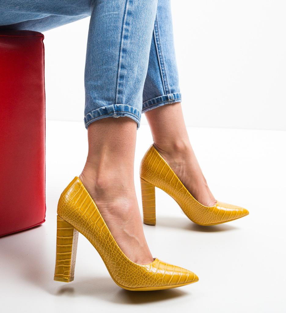 Pantofi Warn Galbeni