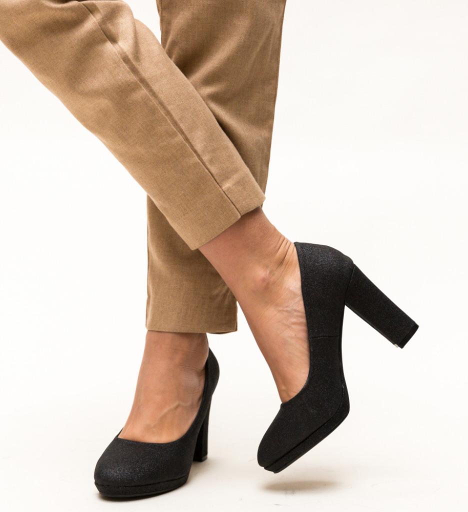 Pantofi Dezgo Negri