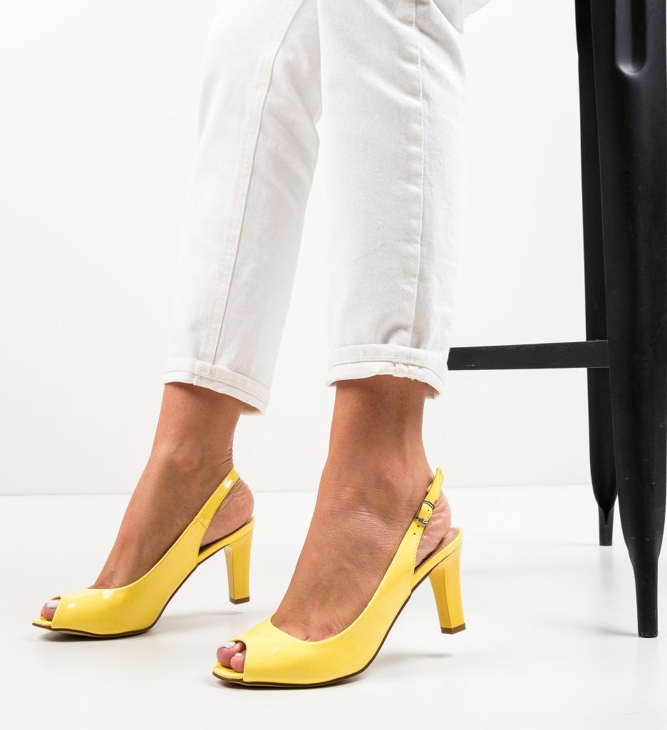 Sandale Tuita Galbene