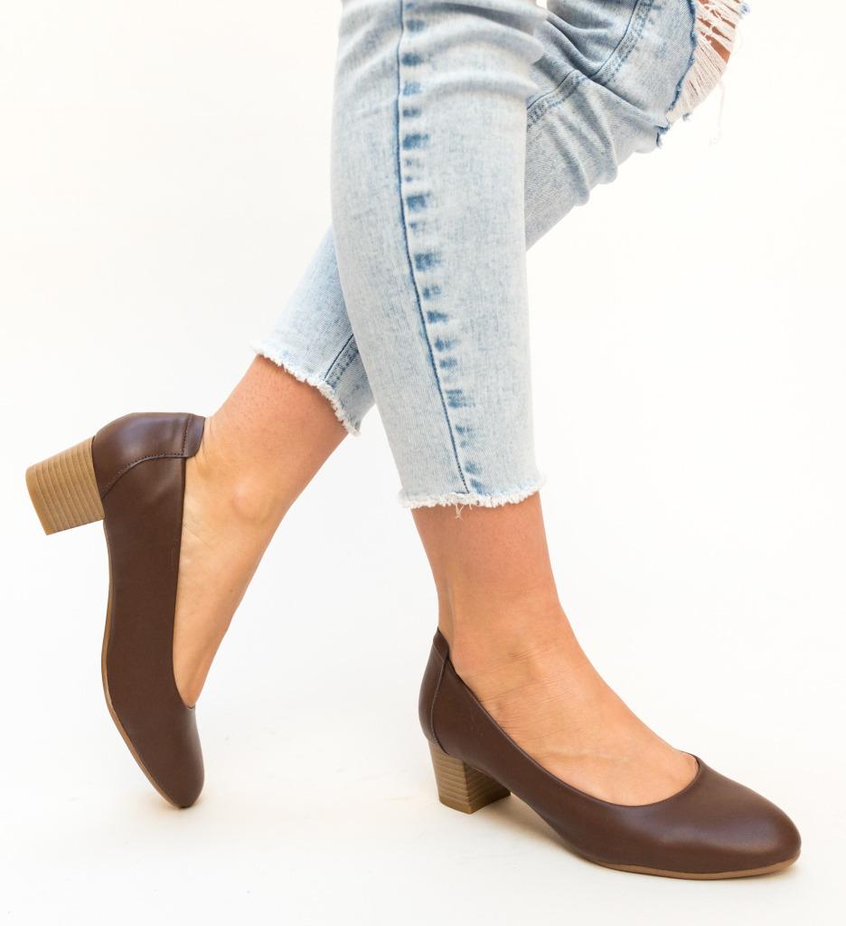 Pantofi Amrit Maro imagine