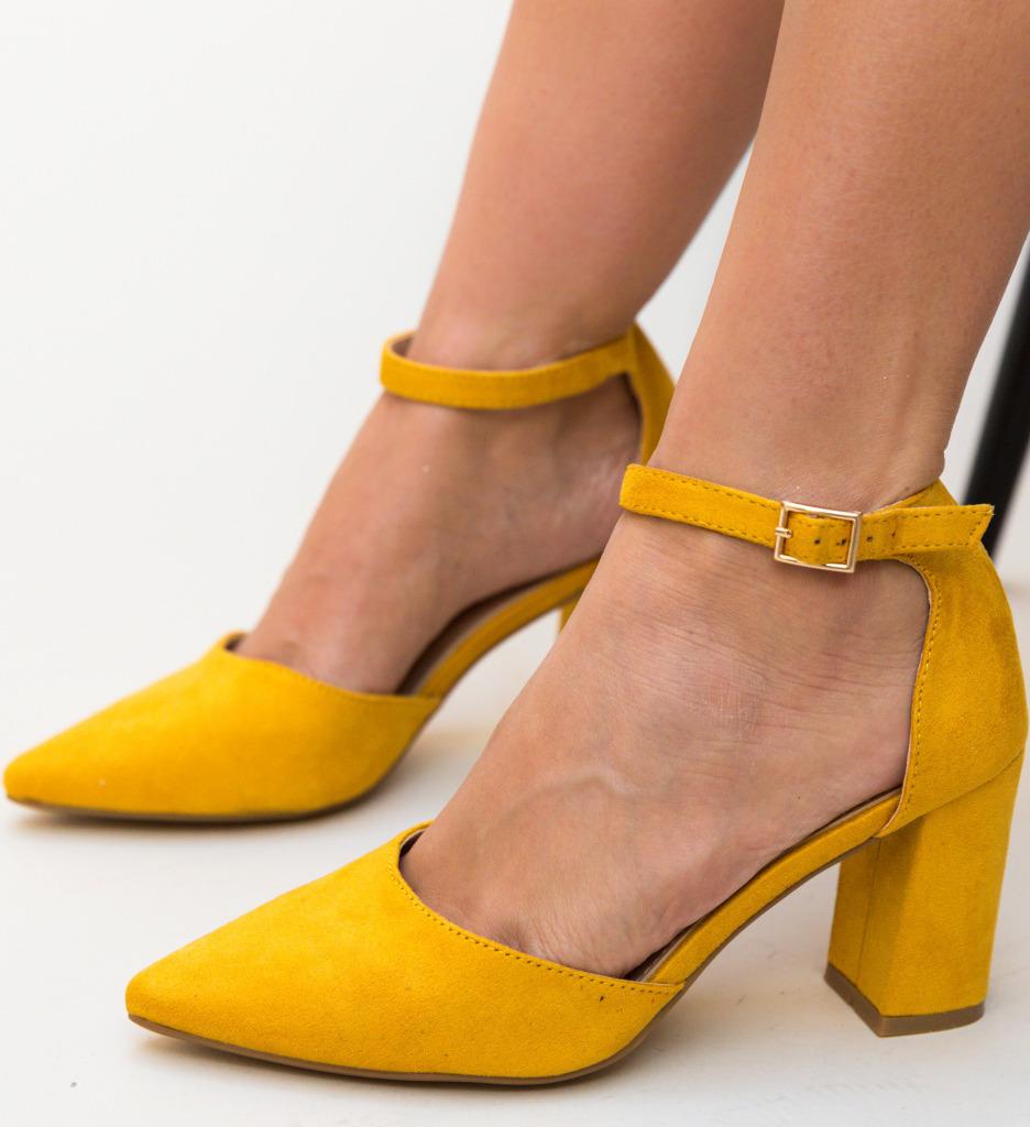 Pantofi Alya Galbeni