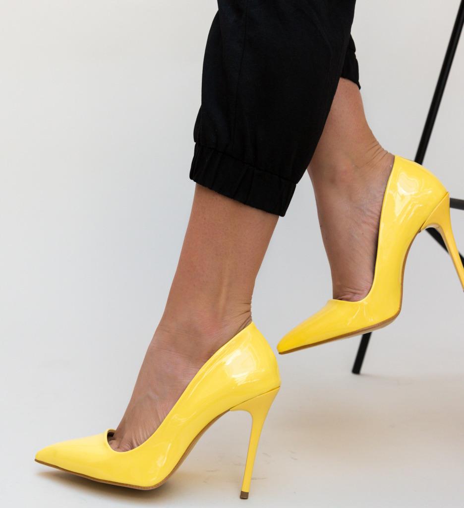 Pantofi Igor Galbeni