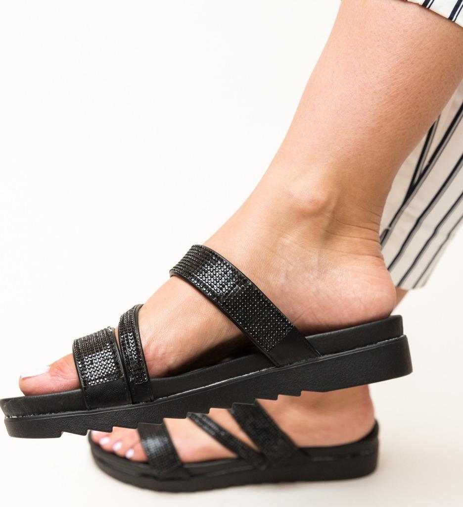 Papuci Sakina Negri