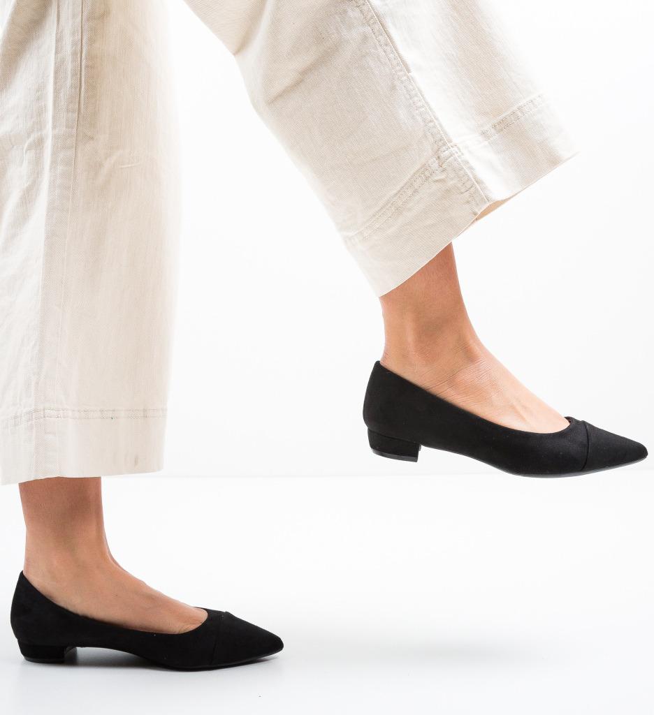 Pantofi Cohe Negri