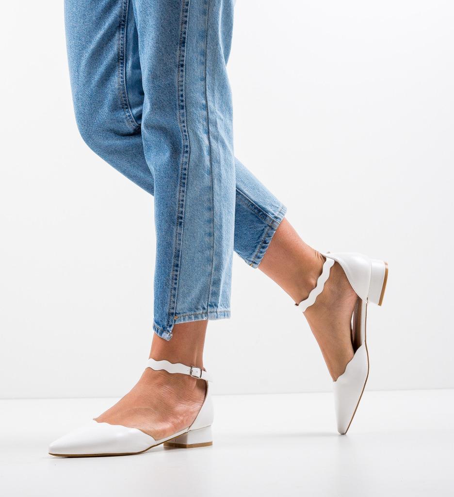 Pantofi Tierne Albi