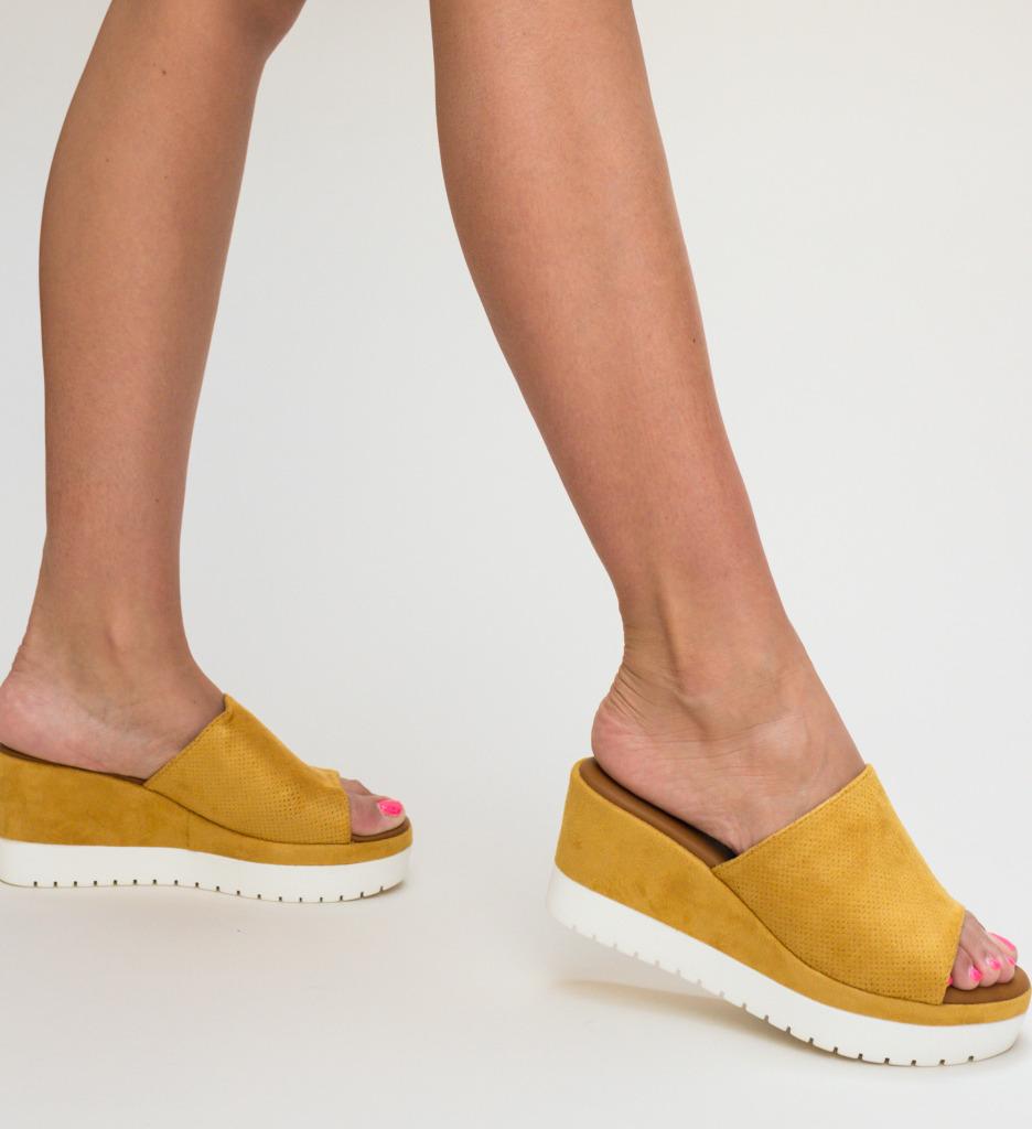 Sandale Muta Galbene imagine 2021