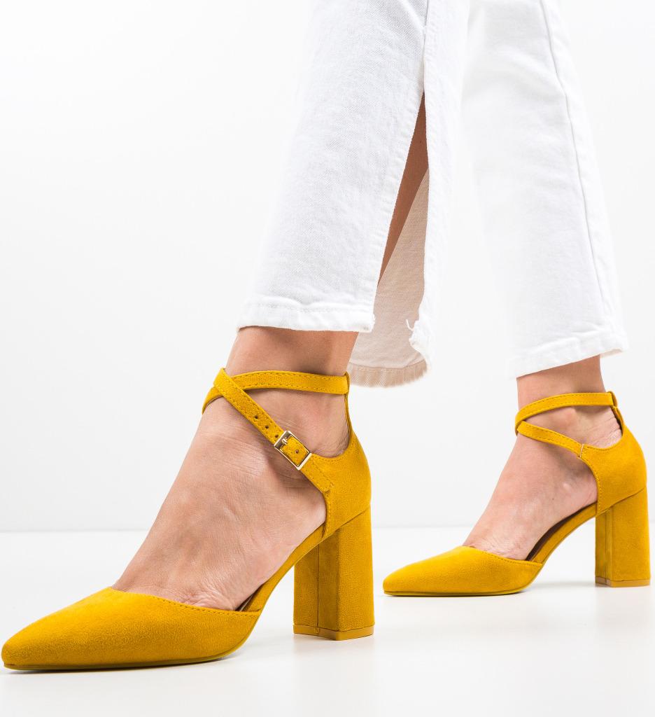 Pantofi Toimed Galbeni